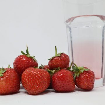strawberries for hydration and carbohydrates